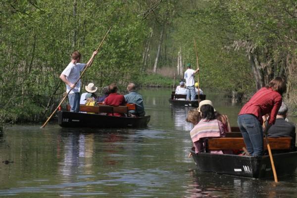 Location de barques pour les groupes